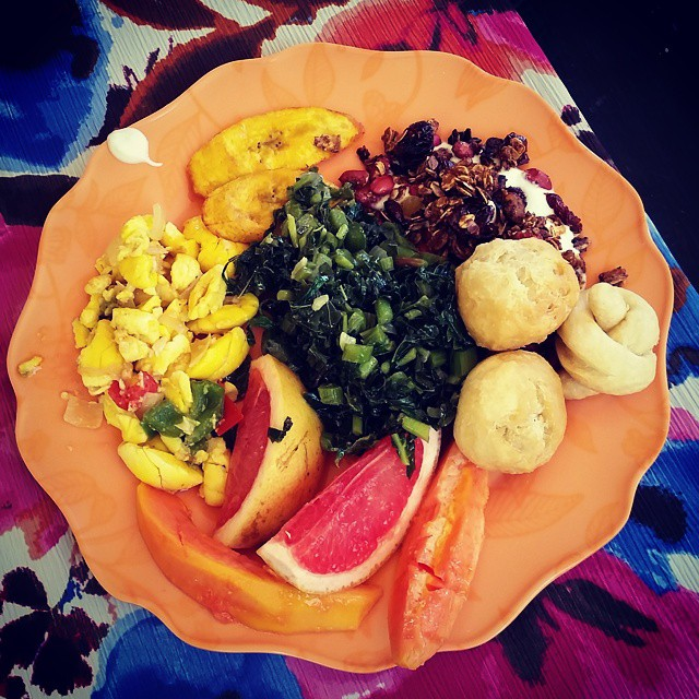 kaylahoughyoga traditional Jamaican breakfast of callaloo, ackee, fried plantains and dumplings, along with yogurt, fresh grapefruit, papaya and amazing homemade granola! @stushinthebush