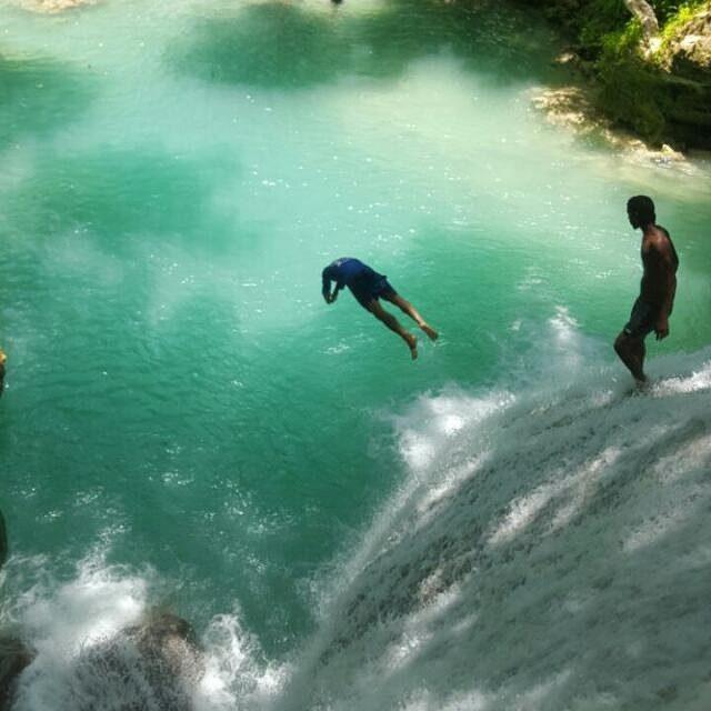 25 Incredibly Stylish Black And White Bathroom Ideas To: 25 Incredibly Beautiful Photos Of The Blue Hole Near Ocho Rios