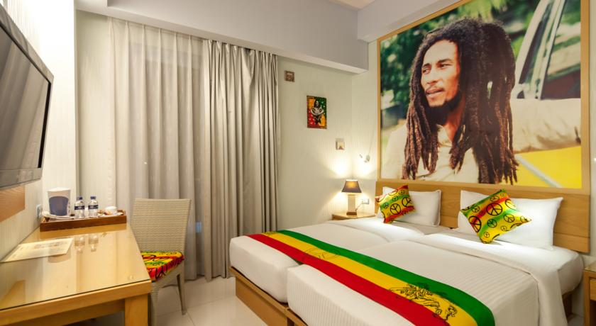 There are bob marley themed hotel rooms in bali indonesia for Room decor jamaica