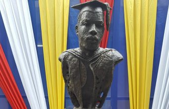 Jamaicans shocked by this Marcus Garvey bust unveiled UWI