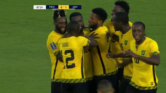 Jamaica defeats Mexico 1-0 with a 10-man squad, advances to Gold Cup FINAL