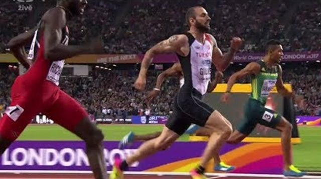 Ramil Guliyev of Turkey upsets Wayde Van Niekerk in Men's 200M