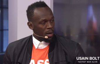 Usain Bolt to play in a trial with hopes of joining Manchester United