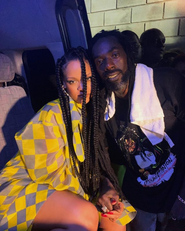 Rihanna shares selfie with Buju Banton after meeting at Barbados Concert